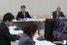 생활방역위원회 주재하는 박능후 장관