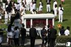 경찰 총격에 숨진 브룩스의 장례식