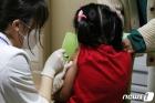 독감 백신 접종 받는 어린이