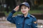 """경찰의 날 소원 이룬 백혈병 소녀…""""병 이겨내 경찰관 되겠다"""""""