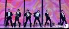 열정적인 무대 펼치는 방탄소년단(BTS)