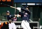 김재환, 한화전에서 터진 3점 홈런