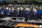 '수소동맹' 맺은 포스코, 현대車 전주공장 방문해 현장확인