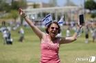 '집단면역 눈앞' 이스라엘, 18일부터 마스크 벗는다