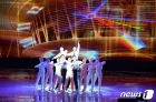 북한 각지에서 태양절 맞이…음악무용종합공연도