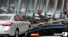 차량 가득한 셀프세차장