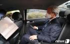 차량 타고 이동하는 정정순 의원
