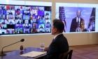 바이든 눈앞에 'LG·SK 전기배터리' 놓은 文대통령