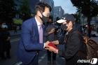 광주 지지자들 만난 박용진