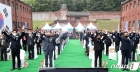 만세삼창하는 5·18민중항쟁 서울기념식 참석자들