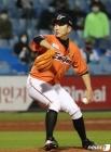 정우람, 역대 KBO 투수 최다 출장 신기록 '3경기 남았다'