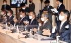 박수치는 '반도체 연대와 협력 협의체 출범식' 참석자들